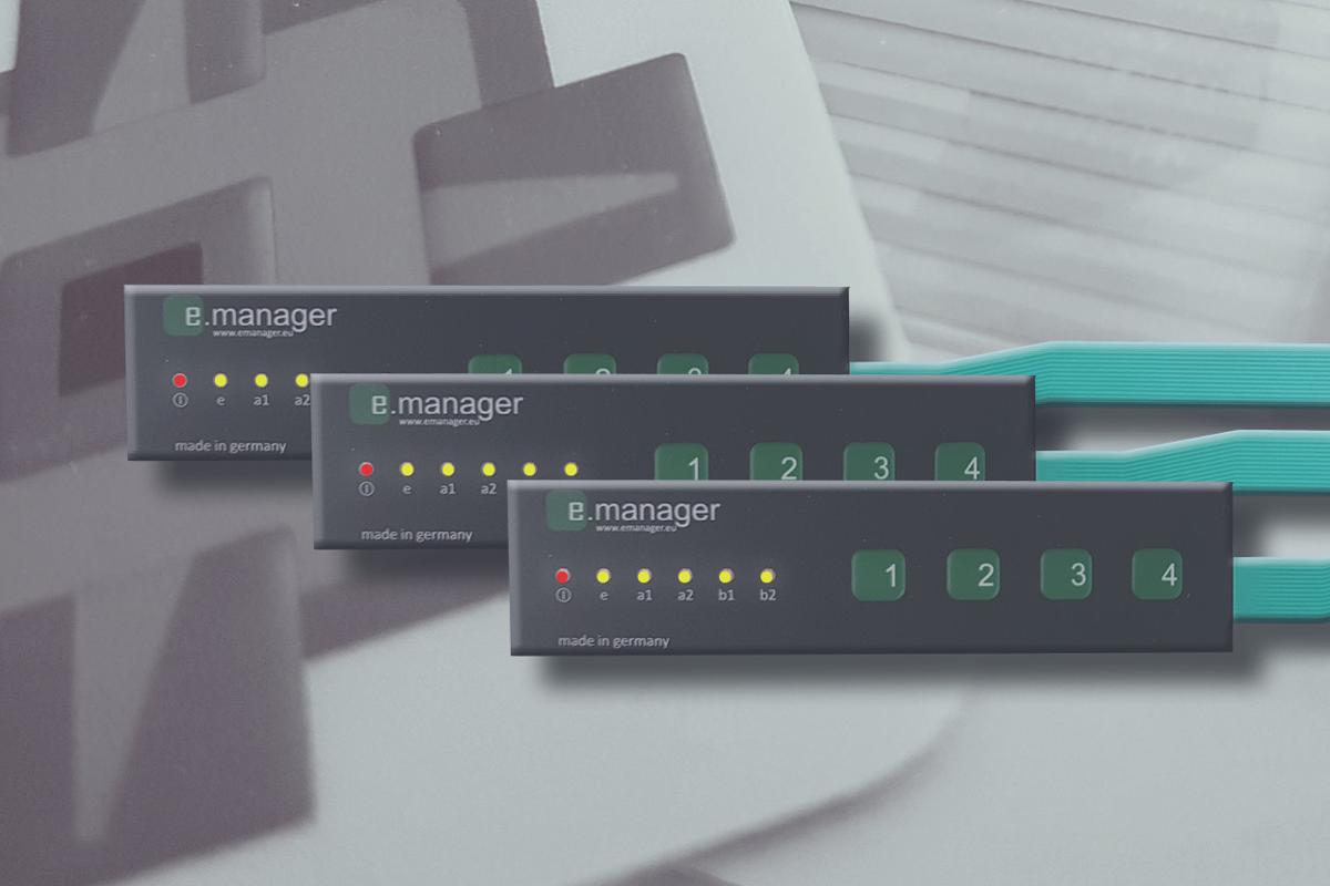 Folientastatur schwarz-grün mit Tastenprägungen und LEDs